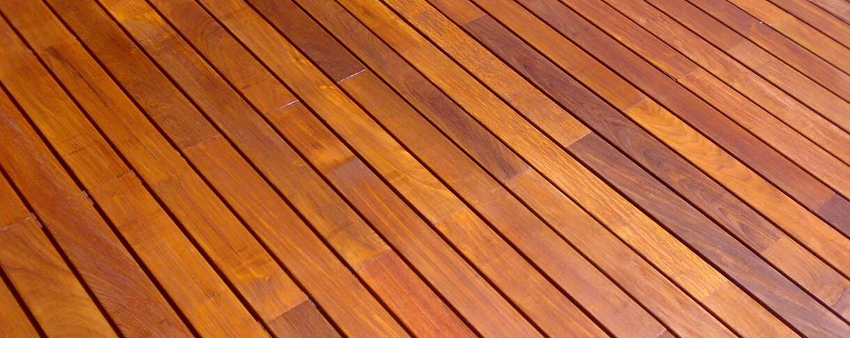 Cumaru is een tropische houtsoort die u bij ons kan kopen
