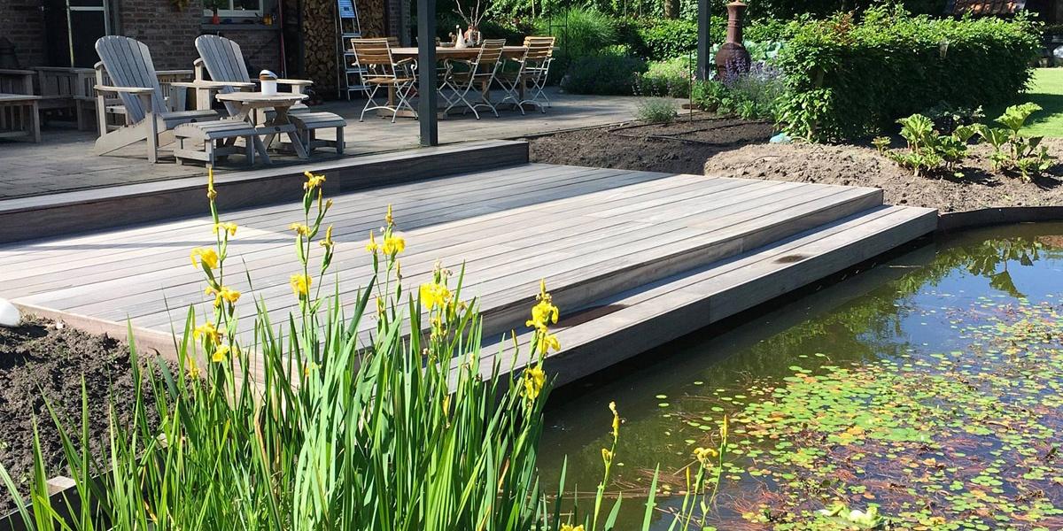 Padoek terras aan vijver luyksgestel nl paulussen for Vijver afwerking hout