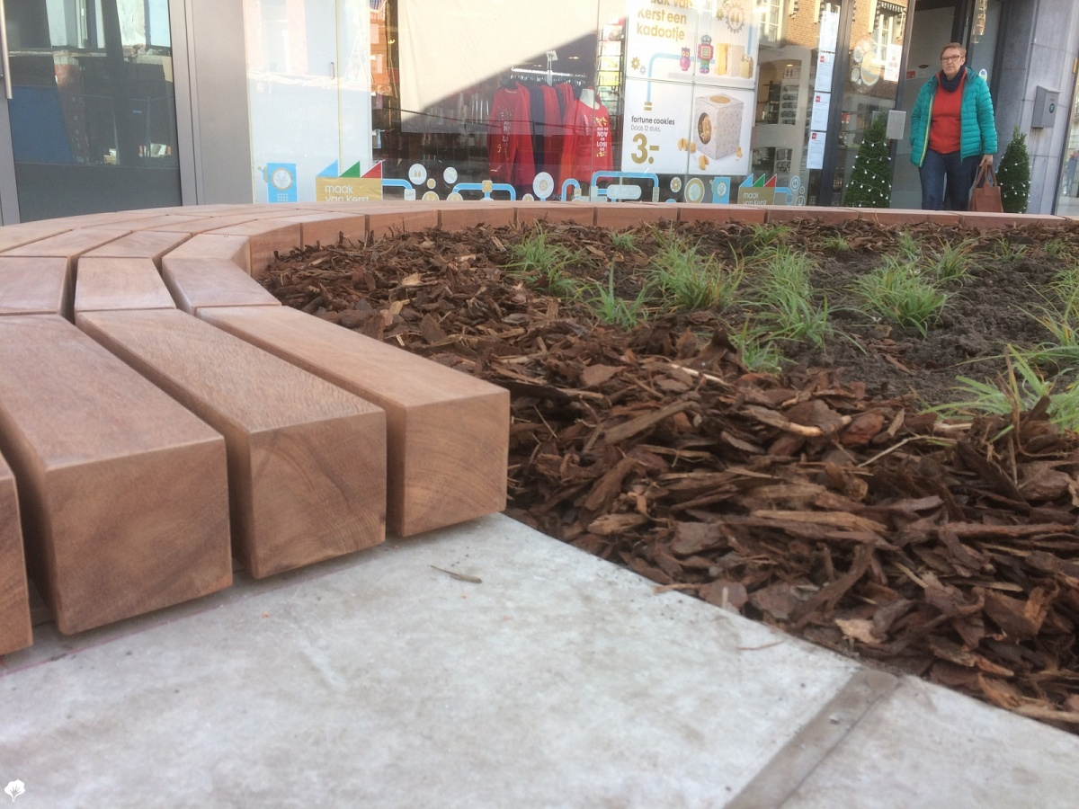 Azob houten banken lommel be paulussen houthandel de for Houten trap voor buiten